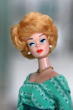 https://flic.kr/p/dRq1S6   Blonde Bubble-cut Barbie