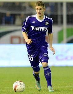 1. Dennis Praet (18)