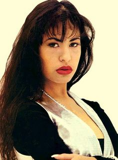 Selena Perez is so pretty Selena Quintanilla Perez, Mom Film, Best Party Songs, Lake Jackson, Girls Run The World, Gone Girl, Iconic Women, Her Music, Queen