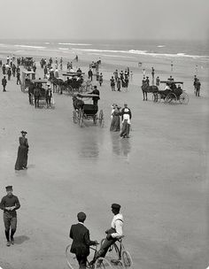 This photo was taken at Daytona Beach, Florida (c.1904).
