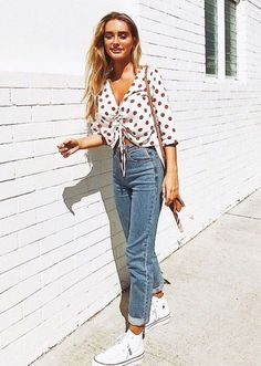 Casual spring style//polka dot tie up shirt & denim Style Outfits, Mode Outfits, Casual Outfits, Fashion Outfits, Womens Fashion, Fashion Tips, Fashion Trends, Fashion 2018, Style Clothes