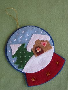 Bola de nieve de fieltro - felt snowglobe ornament