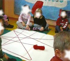 Ragnatela dell'amicizia Reggio Children, Borders Books, Cooperative Learning, New Classroom, Montessori, Storytelling, Musicals, Preschool, 1
