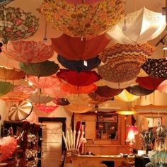 """Bella Umbrella""- rent vintage umbrellas from this Seattle boutique"