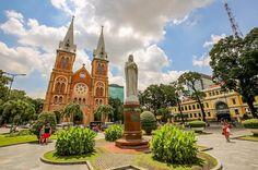 Now in #vietnam #hochimincity follow me live. add snapchat @christravelblog linkin bio ------------------------------------------- #NatGeoTravel #lp #expediapic #rtw #tripnatics #lovetheworld #traveller #igtravelers #travelling #beautifuldestinations #traveldeeper #writetotravel #bucketlist #huffpostgram #postcardsfromtheworld #travelphotography #travelblogger #igtravel #travelstoke #wanderlust #instatravel #photography #travelgram #ig_worldclub #travelingram…