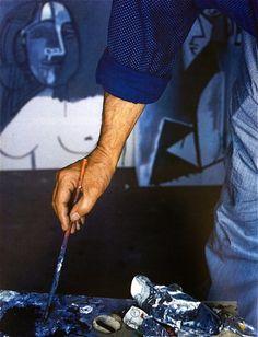 likeafieldmouse: Alexander Liberman - Picasso in His Studio (1965)