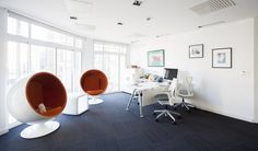Popular social commerce site LivingSocial recently upgraded their London office space with the help of The Interiors Group. Located in the West End, the office acts as the company's UK headquarters.