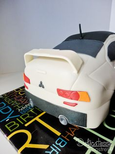 Pretty incredible car cake! http://www.flickr.com/photos/delicatesse_07/