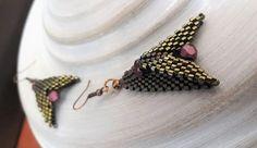#3dbeadedearrings, #handmadeearrings, #handmadejewels, #jewels, #beadedearrings, #earrings, #fireflies, #evapolart, #handmade Beaded Earrings, Earrings Handmade, Beaded Jewelry, Handmade Jewelry, Fireflies, Jewels, Art, Art Background, Bijoux