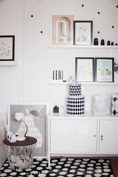 Bau Deco Poster - A, Tin Boxes, Mini Dots Wallstickers, Wire Basket and Wire Basket Top smoked oak by ferm LIVING Blogpost| Fräulein Klein