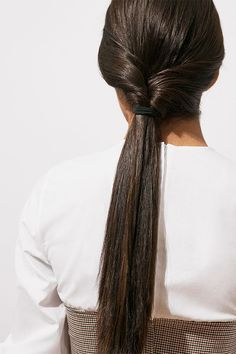 Beauty hacks: Easy braids   Read more at H&M Magazine