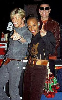 David, Gail Ann Dorsey, Mike Garson. I LOVE this picture of the three of them!