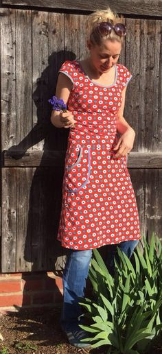 Gemütliches Sommerkleid mit angeschnittenem Ärmelchen und aufgesetzten Taschen aus Bio-Jersey( GOTS - zertifiziert)!