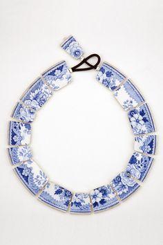 Collier SCENE DE MENAGE bleu