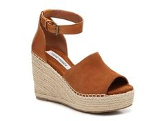 Steve Madden Wedge Sandal - perfect with jeans, shorts or dresses.
