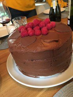 Sjokoladekake 3 lags Cake, Desserts, Food, Pastel, Deserts, Kuchen, Cakes, Dessert, Meals