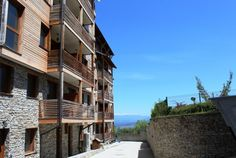 We are very pleased to offer this lovely 1 bedroom apartment for sale in St Ivan Complex, Bansko Alpine Ski Resort, Shower Fittings, Water Boiler, 1 Bedroom Apartment, Dining Table Chairs, Apartments For Sale, Lounge Areas, Double Beds, Virtual Tour