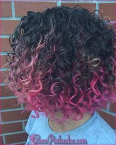 Easy to do Pink Hairstyles. Ideas for pastel pink hair. Pastel pink hair looks. Ombre Curly Hair, Brown Curly Hair, Colored Curly Hair, Light Brown Hair, Short Curly Hair, Curly Hair Styles, Natural Hair Styles, Dark Brown, Dark Hair