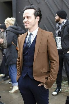 AS side profile << Mmmm, I love Andrew in a suit. <3