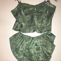 08a8e4c957 Olive green lace-trimmed lingerie set Green Lingerie