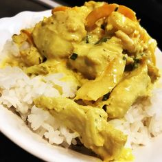 Poulet sauce Boursin au Cookeo - Debra A Newberry Vegetarian Dishes Healthy, Vegetarian Recipes Videos, Vegetarian Meals For Kids, High Protein Vegetarian Recipes, Clean Eating Vegetarian, Vegetarian Curry, Healthy Food, Cooking Recipes, Vegan Zucchini Recipes