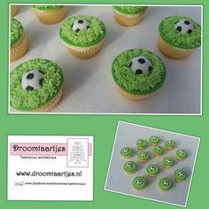 Voetbal cupcakes / football  cupcakes