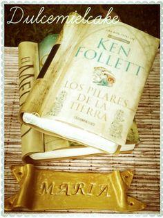 Tarta libros!!! bizcocho y relleno choco #tartalibro #bookcake #noahgordon #kenfollet #dulcemielcake