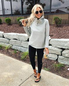 This knit hoodie has THE BEST collar evaaa 🏆🏆🏆 (and for this brand. you won't believe the price 👌🏻👌🏻👌🏻) I also linked a bunch of my… Lazy Day Outfits, Casual Winter Outfits, Mom Outfits, Fall Outfits, Cute Outfits, School Outfits, Summer Outfits, Fashion 101, Fashion Outfits