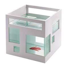 We all can't live in big mansions or sprawled out estates, but that doesn't mean our friends under the sea have to live with the same circumstances. Introducing The Fish Mansion. This minimalist Art D