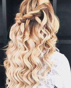 P i n t e r e s t/// cool hairstyles hair styles, Hairstyles For School, Cute Hairstyles, Braided Hairstyles, Hairdos, Coiffure Hair, Hair Heaven, Homecoming Hairstyles, Beach Hair, Prom Hair