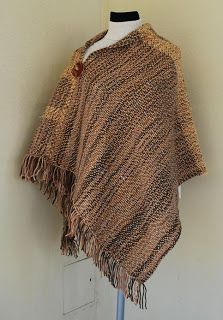 Weaving Patterns, Fabric Patterns, Knitting Patterns, Poncho Shawl, Tapestry Weaving, Knitted Shawls, Crochet Clothes, Knitting Projects, Woven Fabric