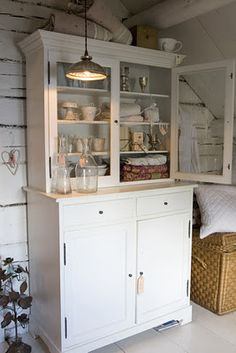 Old cupboards make me smile! :)