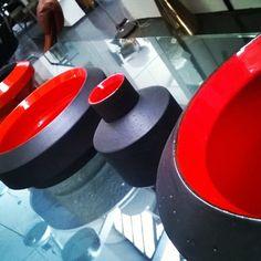 Fil rouge @bitossihome @arik_levy #spazio900design #iconic #ceramics #vintagedesign #showroom #milano