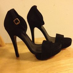 Tory burch beautiful suede shoes! brand new with dust bag!All leather!Heel is 10cm! Tory Burch Shoes Heels
