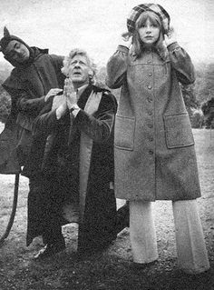 Jon Pertwee (Third Doctor) & Katy Manning playing his companion, Jo Grant Doctor Who Cast, I Am The Doctor, Watch Doctor, Peter Davison, Jon Pertwee, Doctor Who Companions, Classic Doctor Who, William Hartnell, Tv Doctors