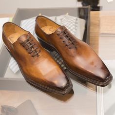 Stunning shoes from Fashion Shoes, Mens Fashion, Men Style Tips, Fine Men, Dream Shoes, Men S Shoes, Clothes Horse, Shoe Game, Leather Shoes