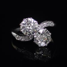Image from http://kayesjewellers.com/content/images/products/4202044_zoom.jpg.