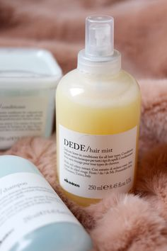 davines-haircare-review-melu-minu-dede-hairdresser-assistant-1