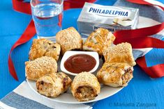 Chicken and Sun-dried Tomato Rolls - a delicious way to use your cream cheese that will please adults and kids alike. Other Recipes, Great Recipes, My Favorite Food, Favorite Recipes, How To Make Meatballs, Apples And Cheese, Sausage Rolls, Wrap Sandwiches, Dried Tomatoes