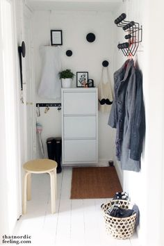 Homemade makeovers: scandinavian hallway inspiration and why do i love shopping at ikea Vestibule, Hallway Inspiration, Interior Inspiration, Hallway Decorating, Entryway Decor, Vitra Design, Rustic Light Fixtures, Entry Hallway, Hallway Ideas