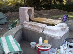 04 - ricostruito l'anello esterno e fissato il basamento, dai muratori, si iniziano le prove di pulitura.