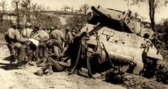Brazilian Expeditionary Force in Italy, WWII. Tank destroyer is of american troops.