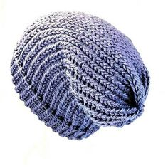 Lilac bohemian/grunge/classic style unisex slouchy beanie hat. Hand-woven on a round loom with two strands of double knit acrylic wool, suitable for vegans. ★ Are you looking for a soft, warm, vibrant woolly slouch hat to help you breeze through Winter? Maybe looking for a gift for a