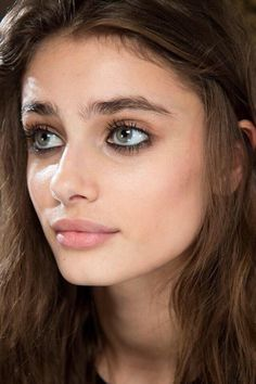 The lazier the brows the better hacks for teens girl should know acne eyeliner for hair makeup skincare Makeup Inspo, Makeup Inspiration, Beauty Makeup, Eye Makeup, Hair Makeup, Hair Beauty, Kohl Makeup, Vogue Makeup, Taylor Hill Style