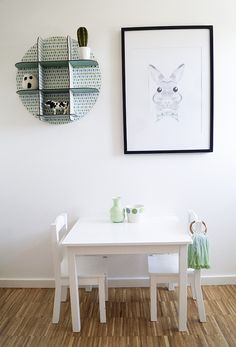 Kidsroom, table, rabbit poster, white, black, green, scandinavian, scandistyle, interior Scandinavian, Kidsroom, Table, Interior, Green, White