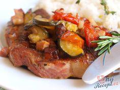 Vynikající maso se zeleninovou směsí a rozmarýnem. K tomu jako příloha dušená rýže.