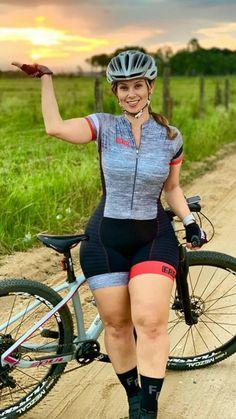 Road Bike Women, Bicycle Women, Bicycle Girl, Lady Biker, Biker Girl, Athletic Models, Athletic Women, Cycling Girls, Sporty Girls