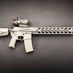 SLIIIIICK FDE build featuring our REV I rail. Featured on this awesome build are great companies like: @rainierarms @crossmachinetool @cmctriggers @lantac_usa @bobro_engineering by @tracerxphoto - - - - #weaponsdaily #firearmsphotography #rifleholics #igmilitia #ar #pewpewandchill #gunpictures #fortismfg #2A #ar15 #guns #gunsofinstagram #ar #bestgunsdaily #USA #daily_badass #556 #762 #instaguns #pewpew #theigmilitia #pro2a #igguns #arbuilds #gunsdaily #sickguns #blackwolf