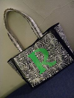 Duct tape purse, a project Ti and I will be doing this coming weekend!