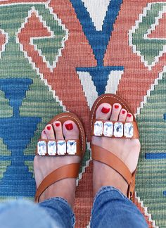 Turn plain-Jane sandals into designer-type jeweled beauties with this easy DIY. Click the photo for the steps.